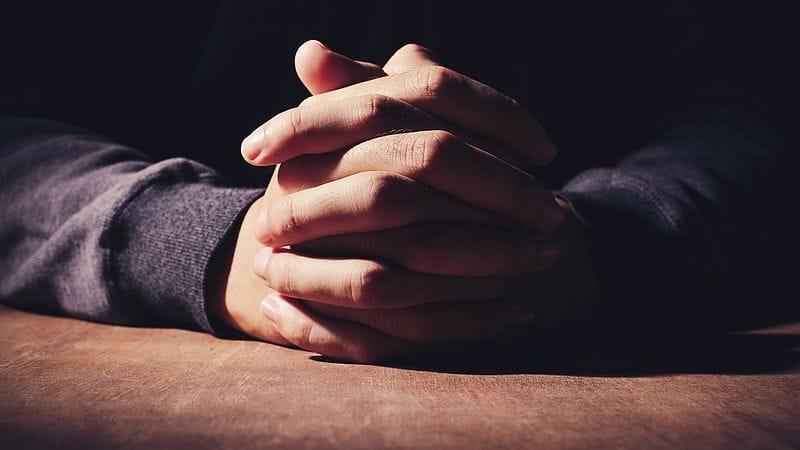 De dingen brengen voor het aangezicht van God